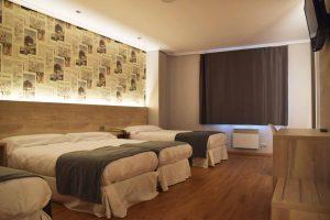 LA MARINA-room 2